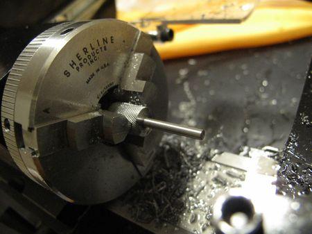Threading screw